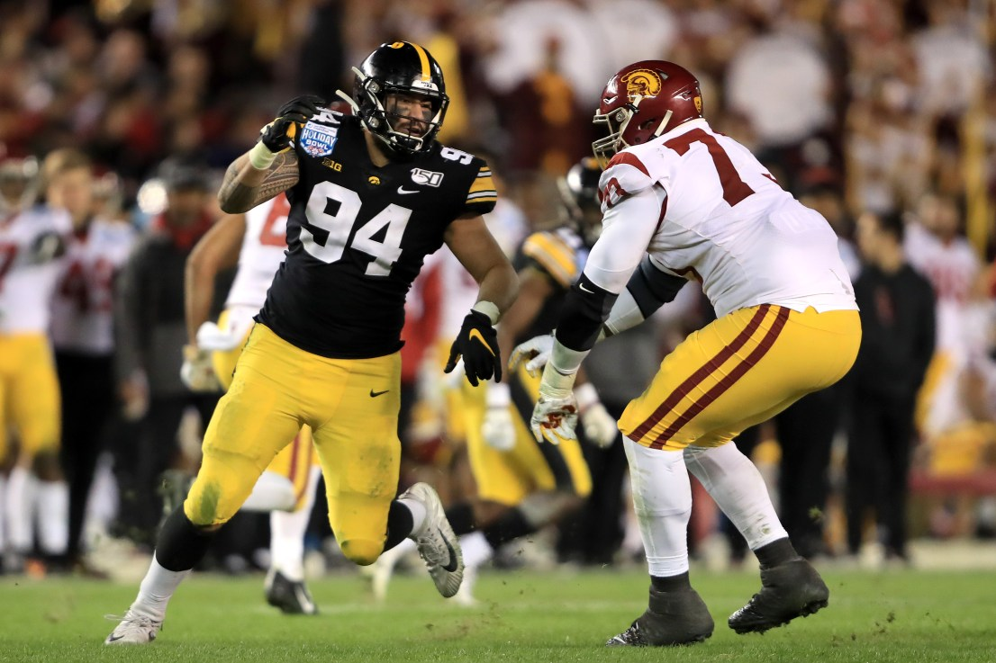 Hawkeyes' A.J. Epenesa declares for NFL Draft   OurQuadCities