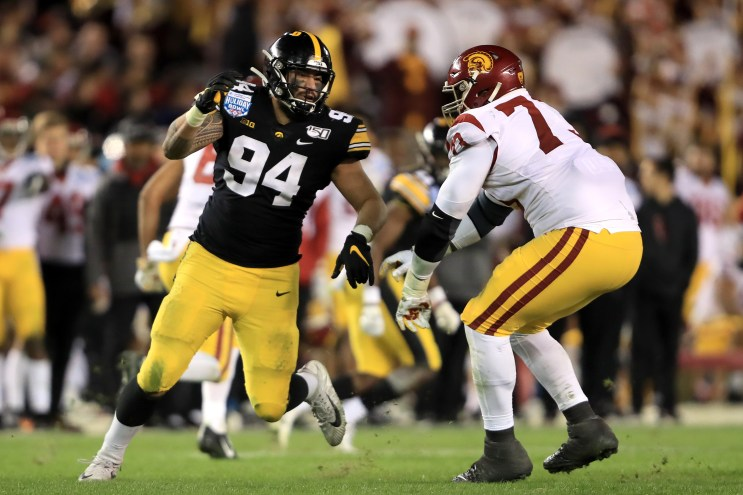Hawkeyes' A.J. Epenesa declares for NFL Draft | OurQuadCities