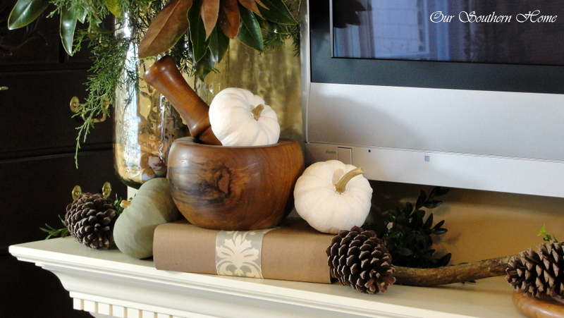 fall-tv-mantel