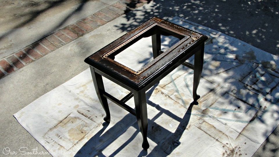 Tips for painting dark furniture