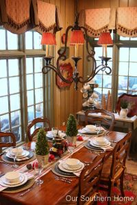 Country Christmas Breakfast Room