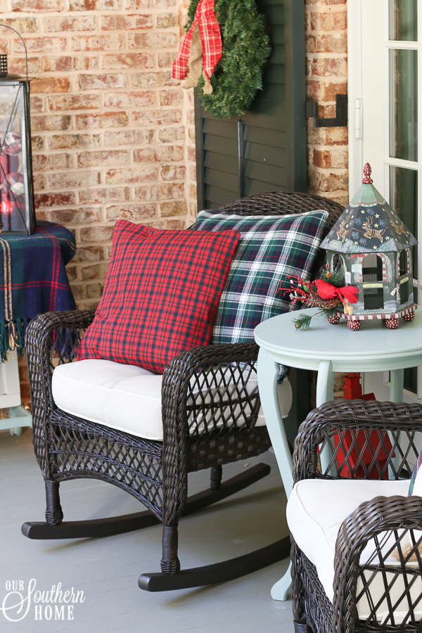5 minute porch pillow makeover turns those summer pillows into Christmas magic with little effort!