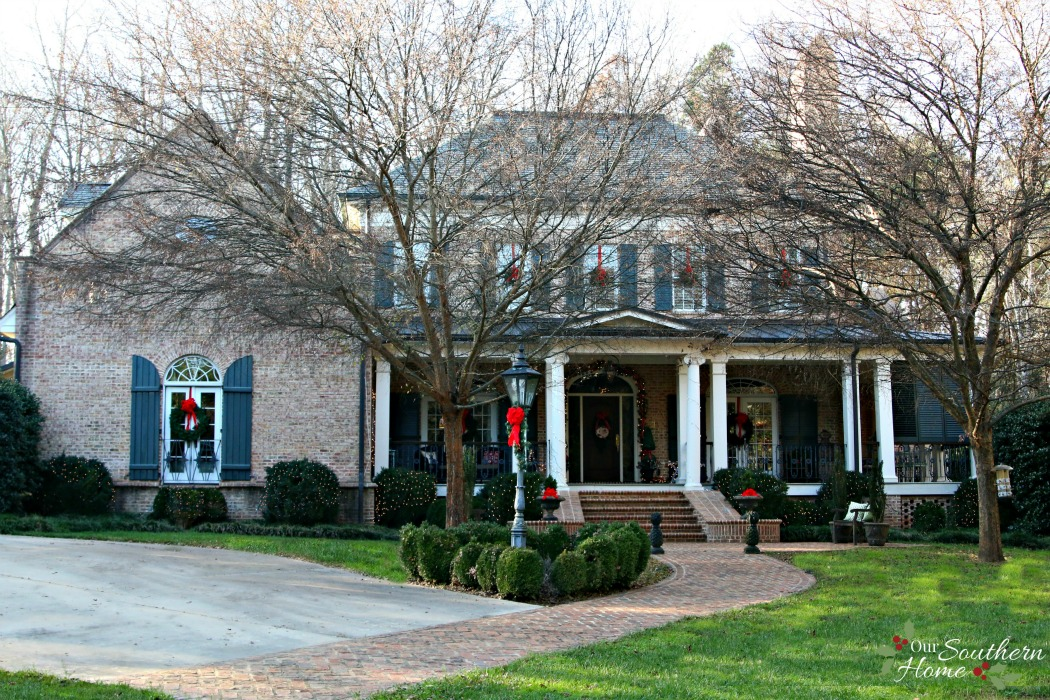 abberley lane christmas porch / Christmas Front Porch / .oursouthernhomesc.com & Christmas Front Porch - Our Southern Home