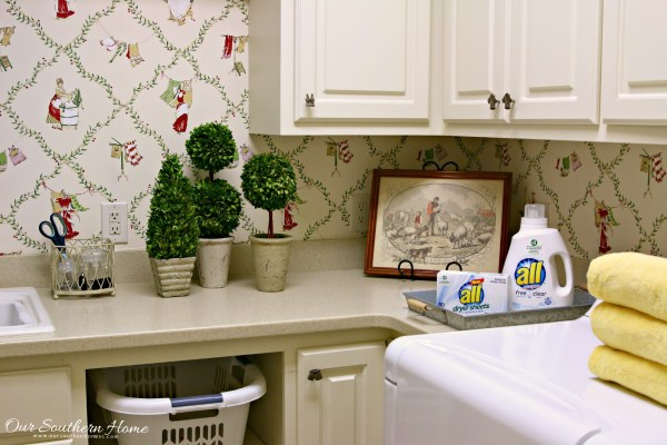 All® Free Clear detergent (liquid and mighty pacs), fabric softener and dryer sheets have received the National Eczema Association (NEA) Seal of Acceptance™. Products with the NEA Seal of Acceptance™ are those that avoid certain chemicals, dyes, perfumes and residues that are known to be unsuitable for use by persons with eczema or a sensitive skin condition.