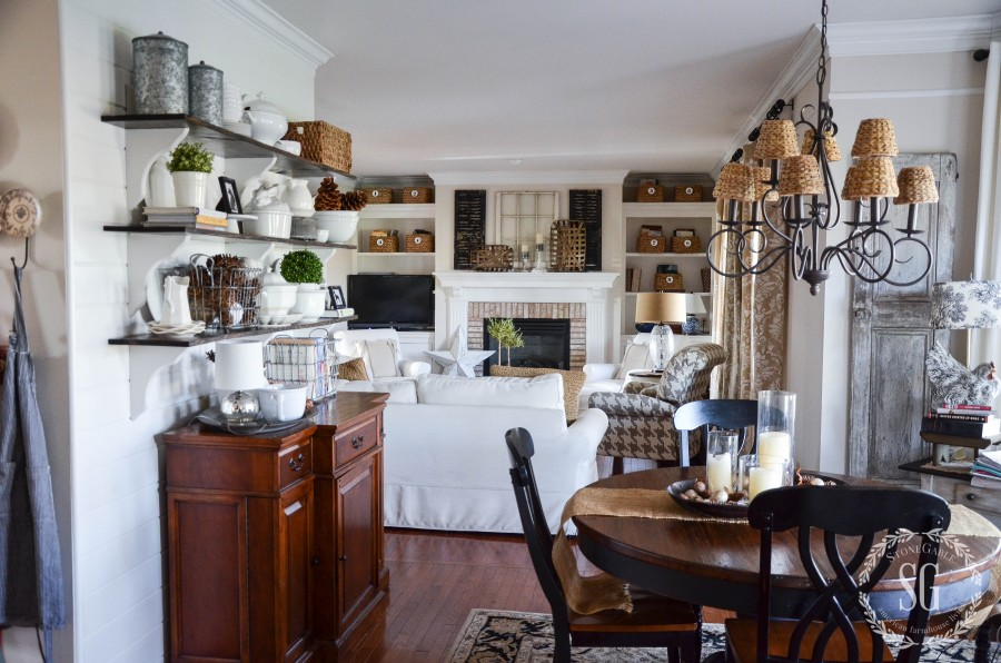 OPEN-SHELVES-view-of-breakfast-room-stonegableblog-2
