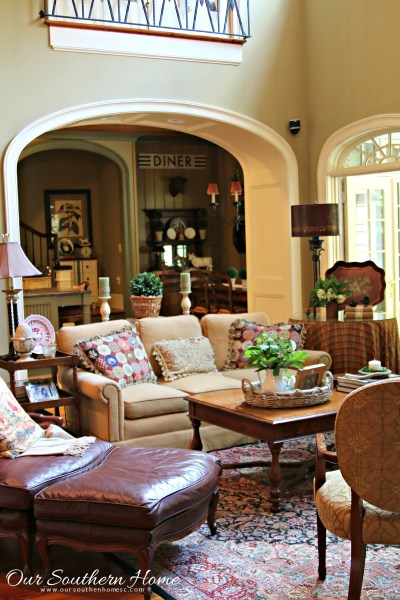 Summer in the family room by Our Southern Home sponsored by Balsam Hill