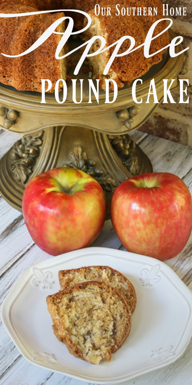 Yummy family recipe of Apple Pound Cake is the perfect taste and scent of the season! #apples #applecake #applereceipes