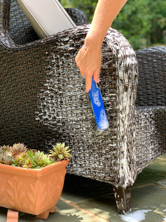 cleaning outdoor wicker
