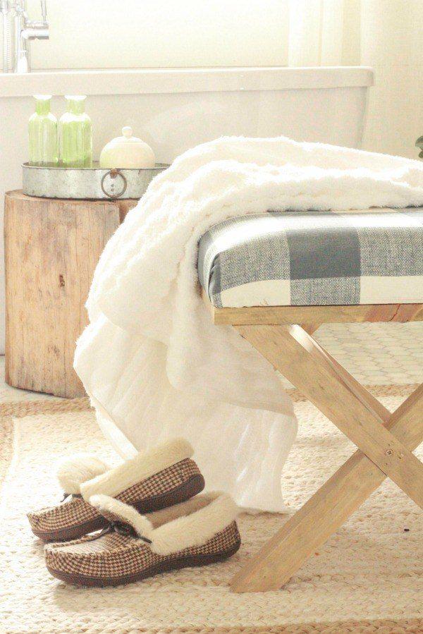 diy-upholstered-x-bench
