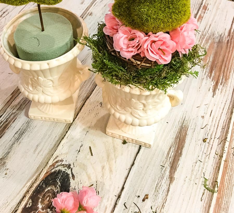 Spring urn thrift store makeover decor challenge! Join us monthly for inspiration. #easter #spring #springdecor #springfloral #thriftstoremakeover