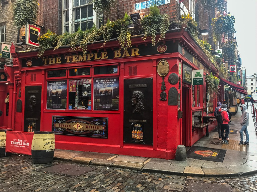 A trip to Ireland in 7 days is not complete without a visit and drink at the Temple Bar.