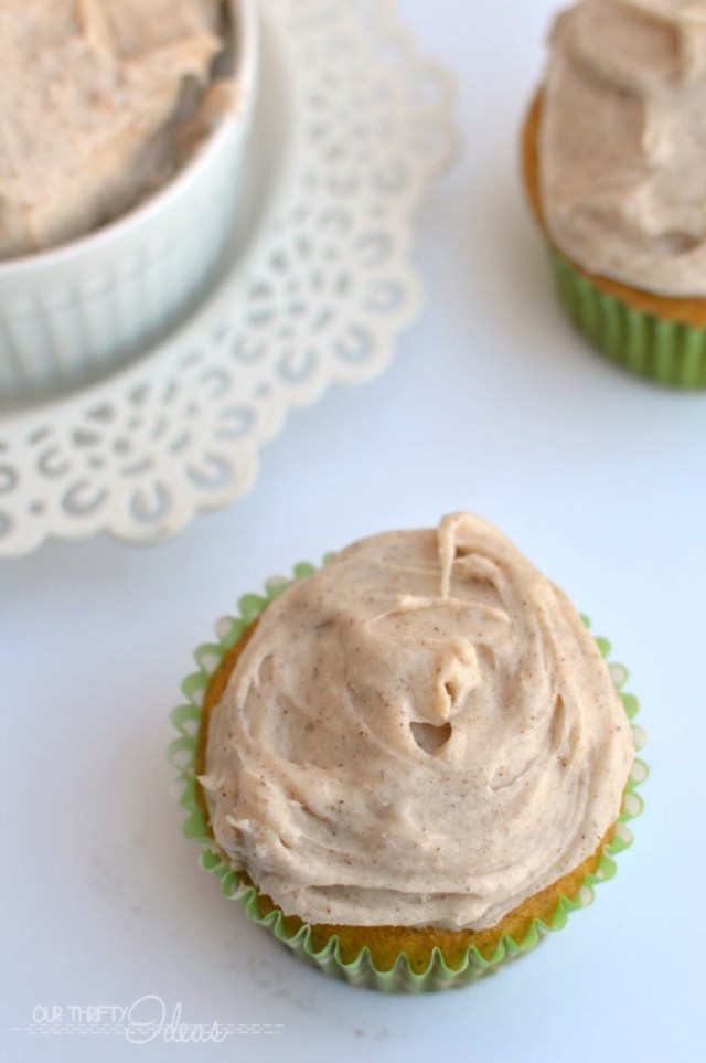 The BEST pumpkin cupcakes topped with cinnamon cream cheese frosting