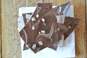 Chocolate mint bark. Make this for the holidays. perfect for a party or to give as a neighbor gift #recipe #christmas #holiday