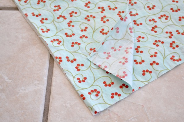 How to sew a ruffled tablecloth