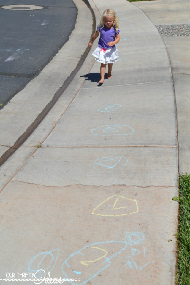 teach young kids to play hopscotch