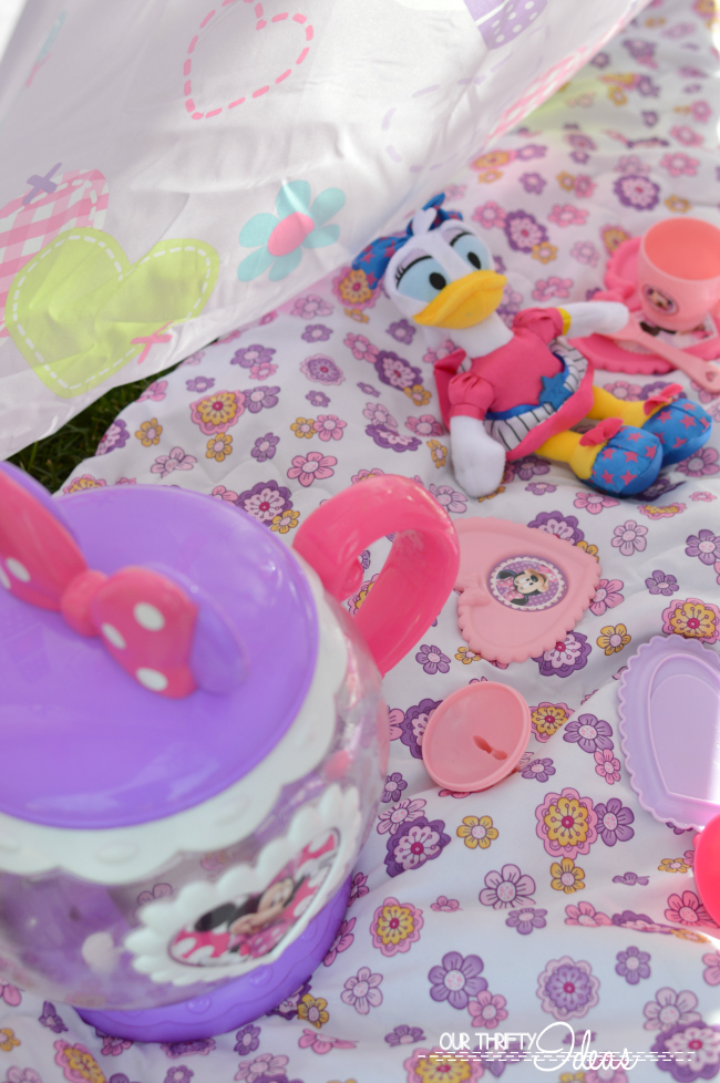 throwing a tea party for your next slumber party