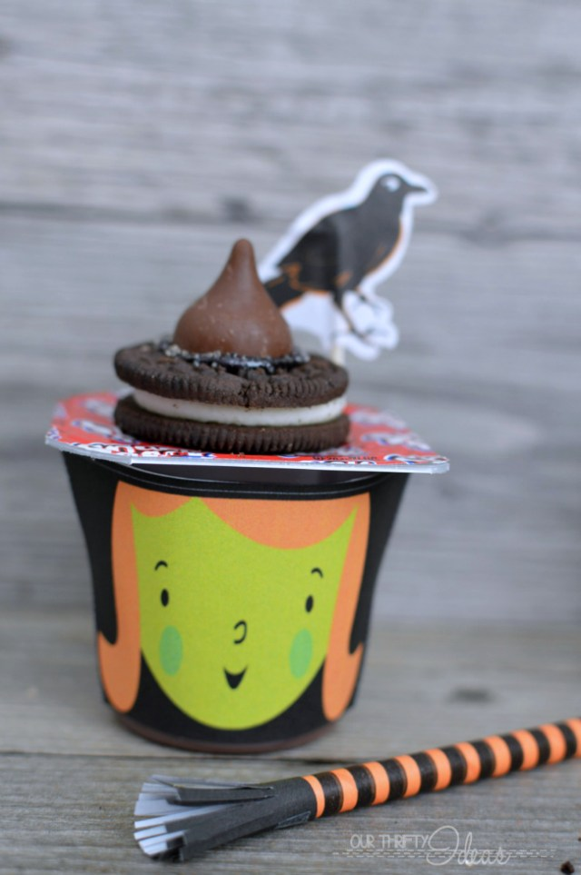 These cute Halloween pudding cups are perfect for your kids' Halloween party. There's a free printable for the faces!