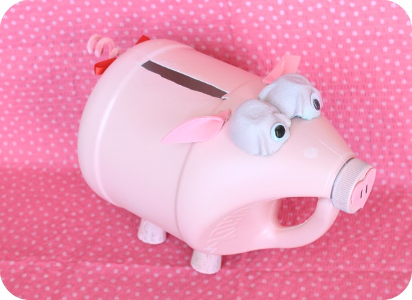 Piggy valentine box