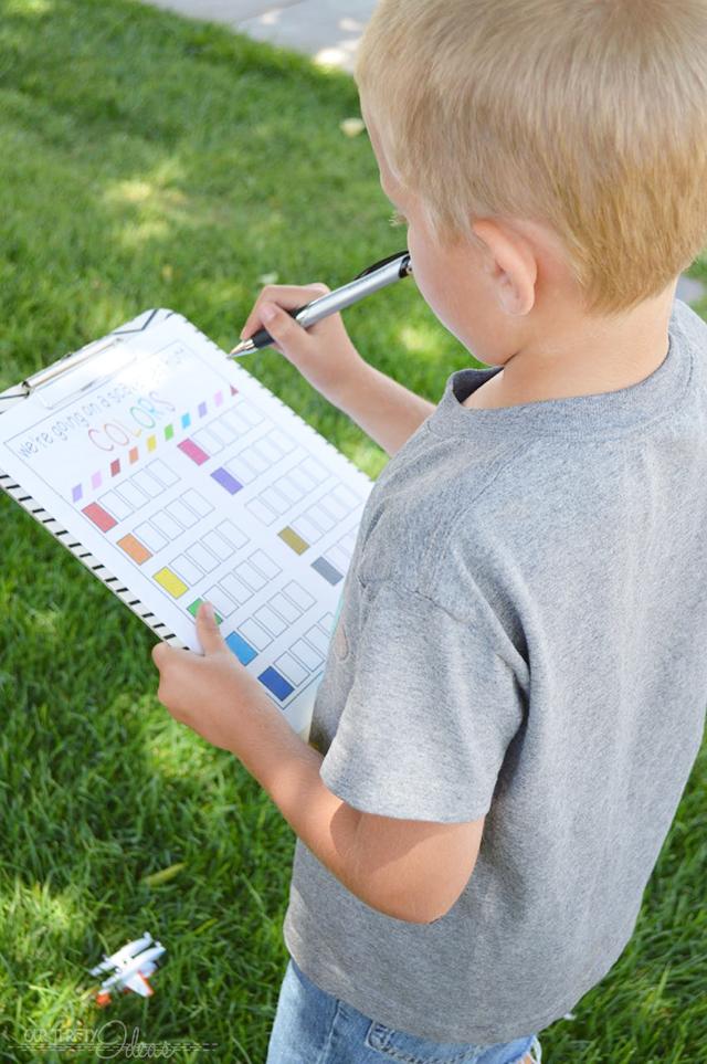 Color Scevenger Hunt for Kids