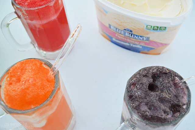 Make creme soda floats for an easy and delicious Summertime cool down treat.