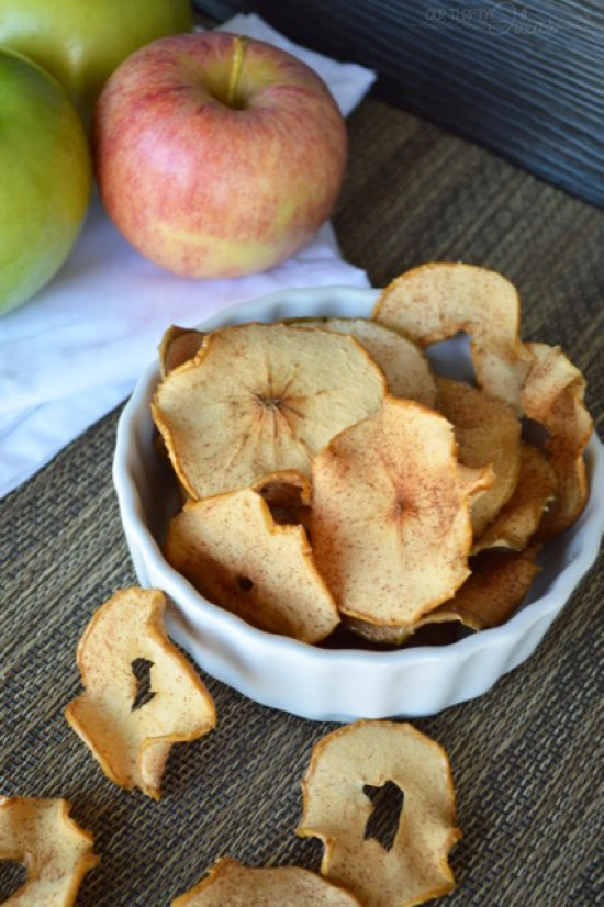 This is a great tutorial on how to make homemade apple chips in the oven. No need for a dehydrator or any special tools.