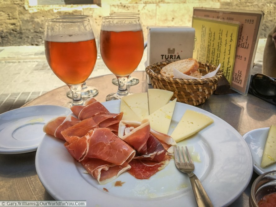 Ham, Cheese & beer at Café Museu, Valencia, Spain