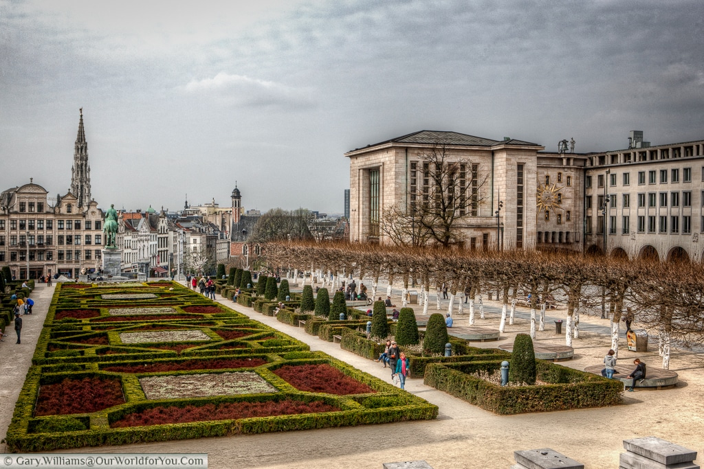 A view from the Mont des Arts, to the gardens below, with the tower of the Eglise Sainte Marie-Madeleine in the distance.