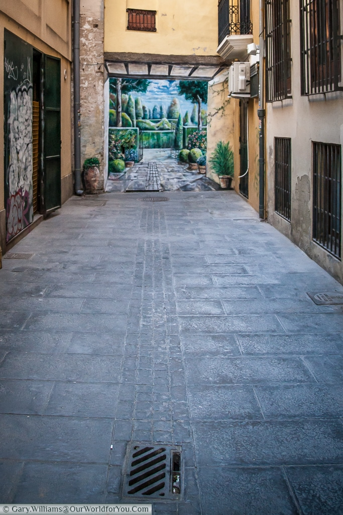 This wonderful mural promises something special at the end of this lane. , Valencia, Spain
