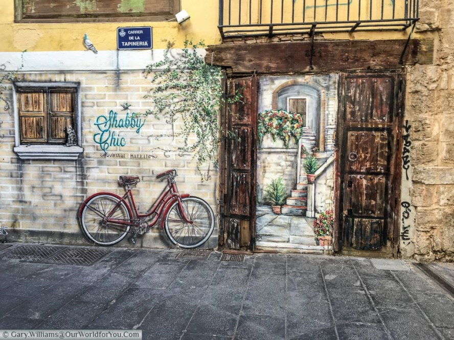 A mural for Shabby Chic in the Carrer de la Tapineria, Valencia, Spain