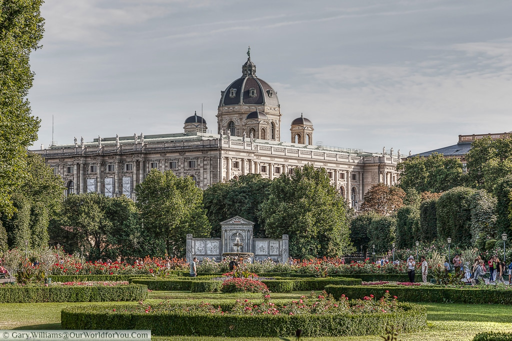 The Kunsthistorisches Museum (Natural History) from the gakes of the Volksgarten, Vienna Austria