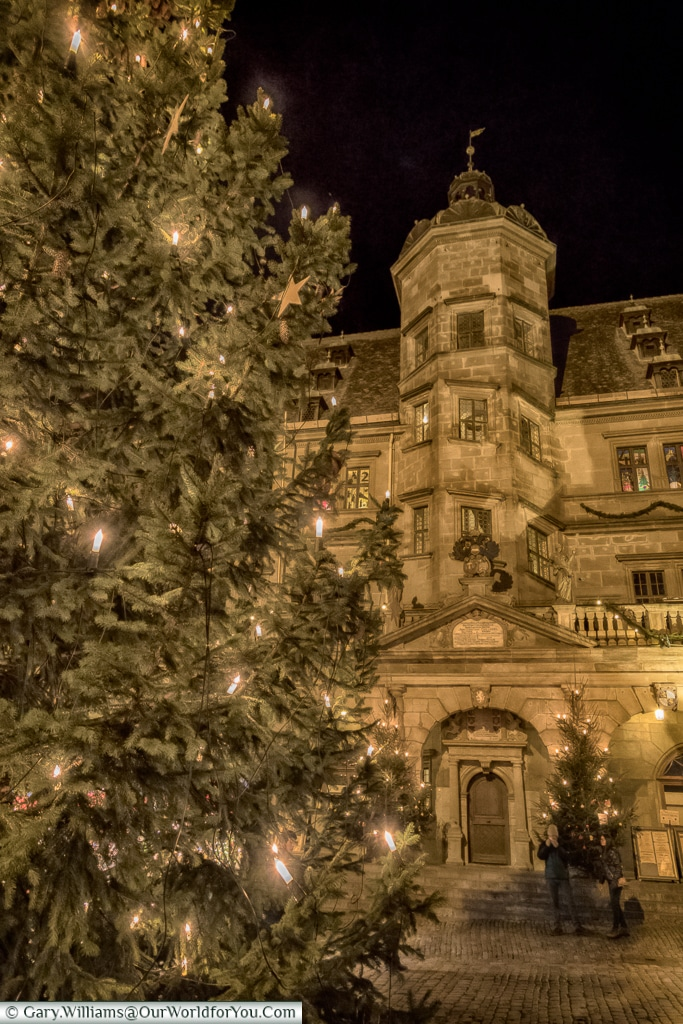 The Rathaus and Christmas tree, Rothenburg ob der Tauber, Germany