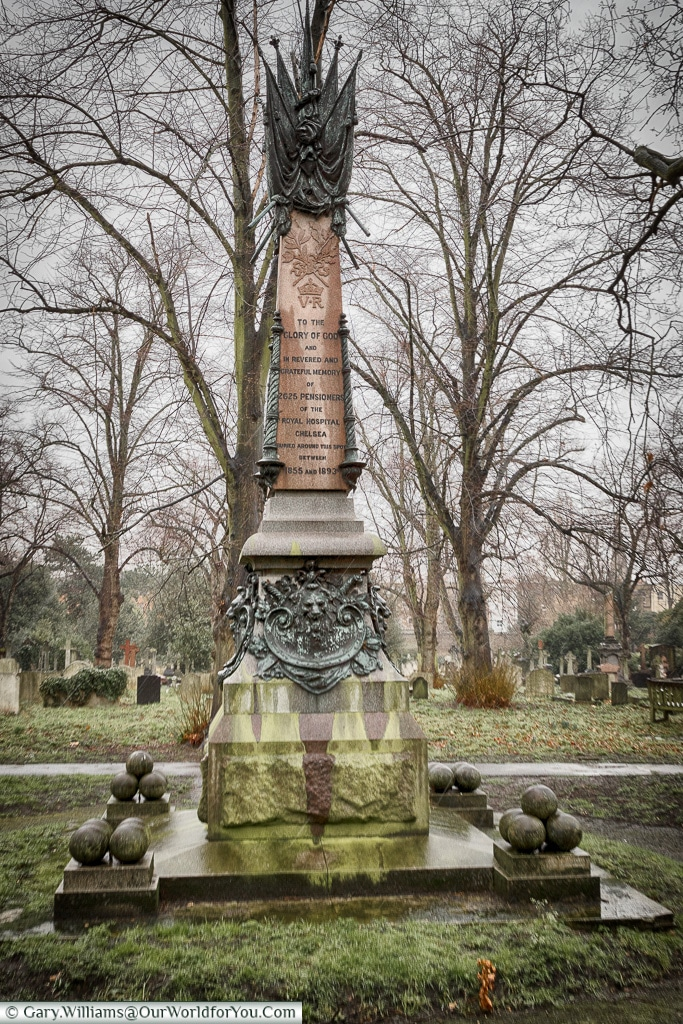 The Chelsea Pensioners monument, Brompton Cemetery, London, England, UK