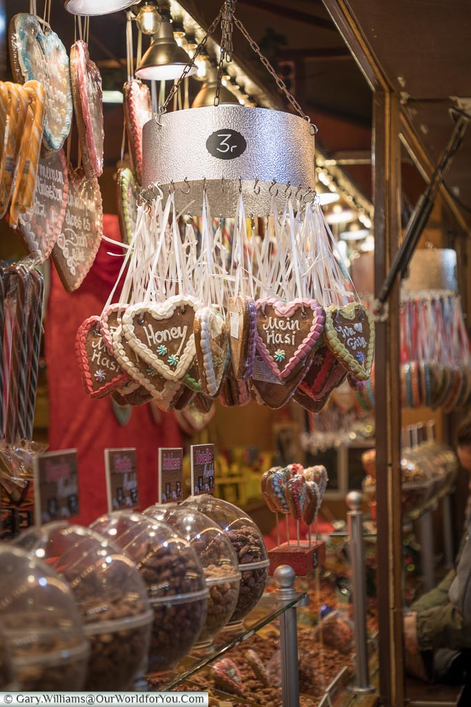 Gingerbread hearts, Hamburg German Christmas Markets, Germany