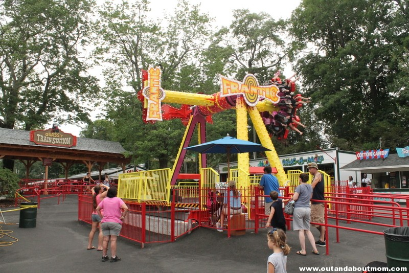 Quassy Amusement and Waterpark_Out and About Mom_Things to do with kids in Connecticut (59)