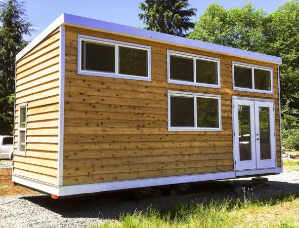 Skookum 24'   Canadian Tiny House RV