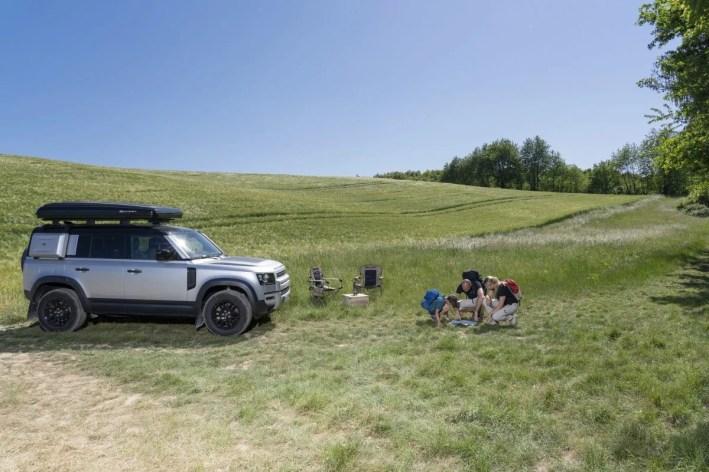 06_Land-Rover-en-Autohome-ontwikkelen-robuuste-daktent-voor-nieuwe-Defender-110