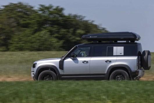 12_Land-Rover-en-Autohome-ontwikkelen-robuuste-daktent-voor-nieuwe-Defender-110