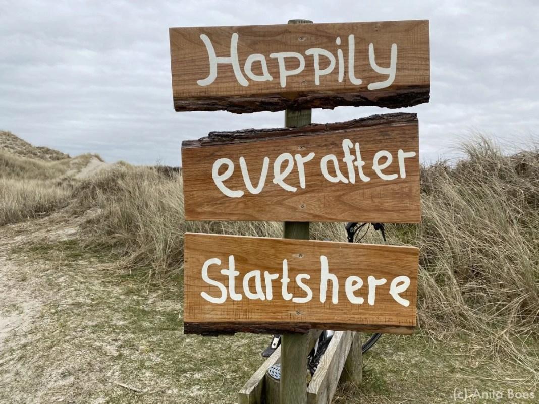 Bij de parkeerplaats bij strandpaviljoen Heartbreak Hotel stond dit bord.