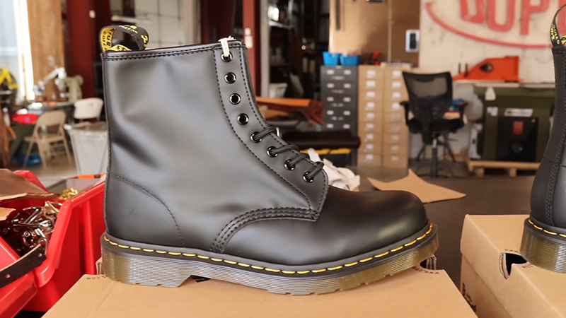 Features of a Good Doc Martens Hiking Shoe