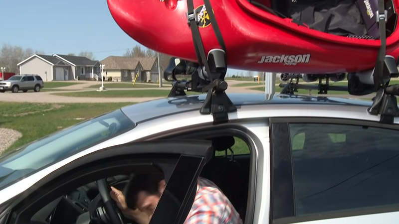 How to Safely Transport A Kayak FI