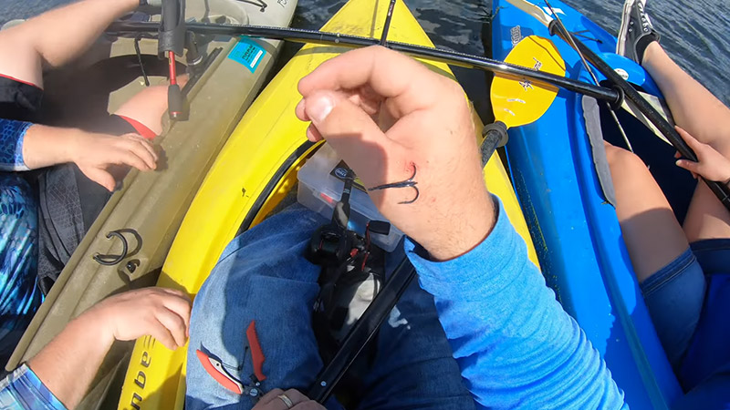 How To Remove A Treble Hook From A Person Safely 4