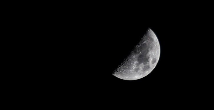 Photograph the Moon
