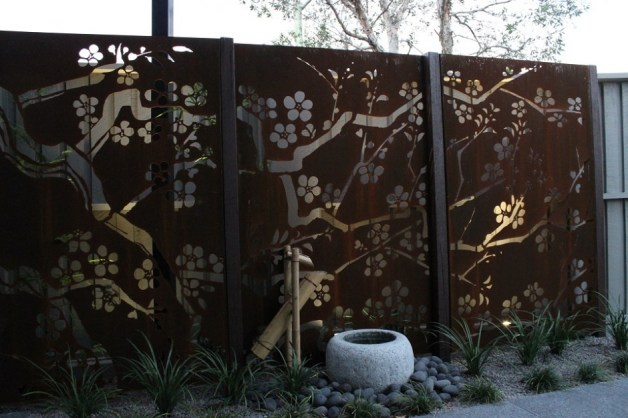corten-steel-screen-940x627