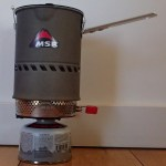 1L pot fitted on the reactor and a 100g canister