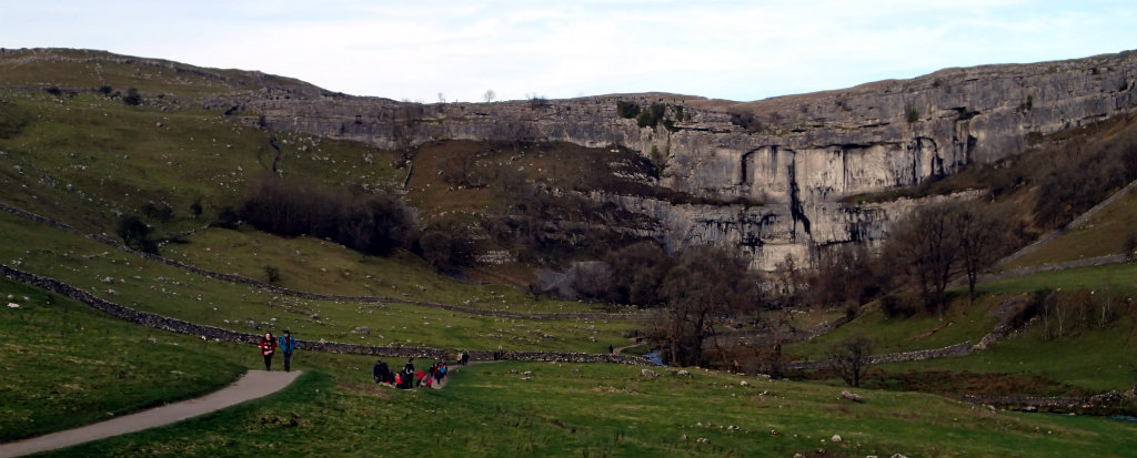The many people on the trail to Malham Cove - the weather was nice!