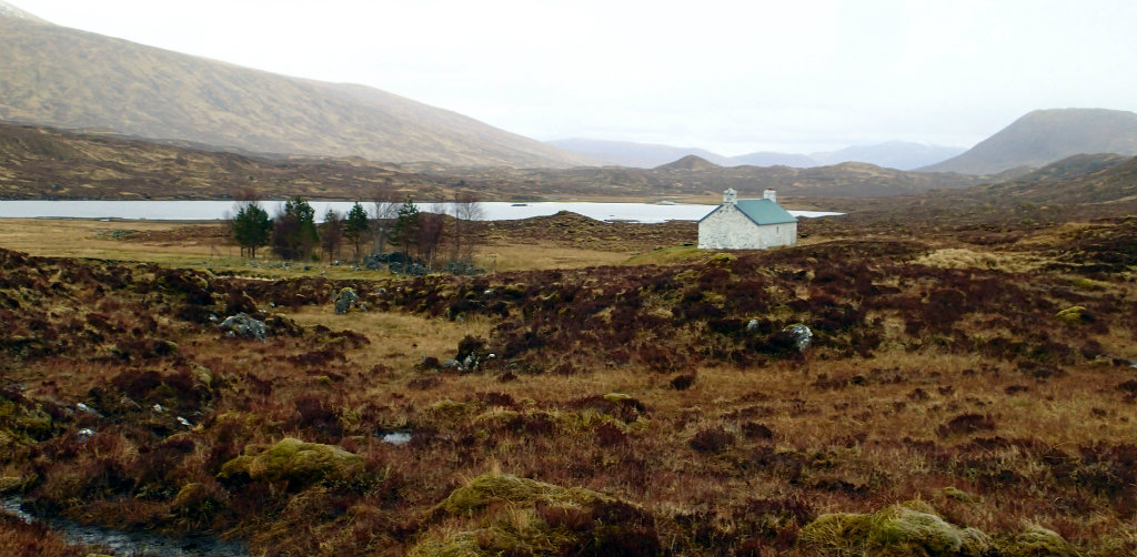 Maol Bhuidhe bothy in the isolated wilderness