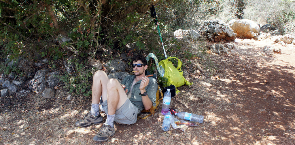 Lunch for exhausted walkers in extreme heat