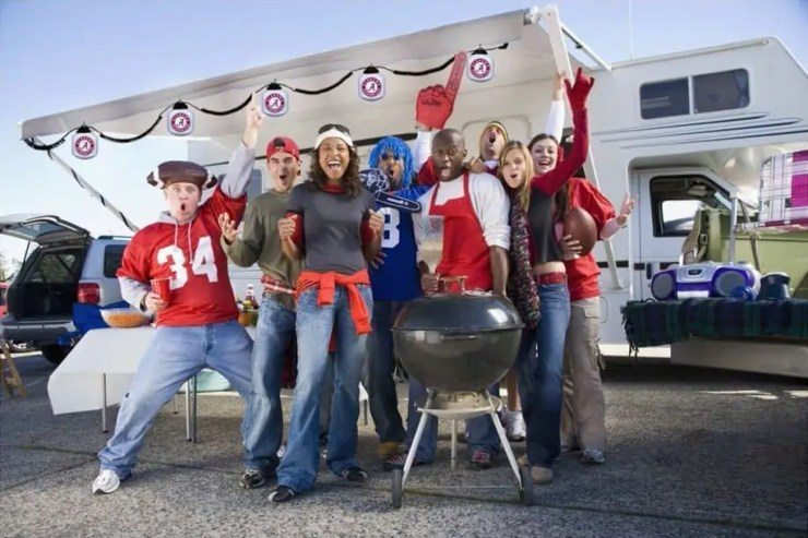 Tailgate Checklist – 5 Essentials for the Ultimate Tailgate Party - Outeraudio