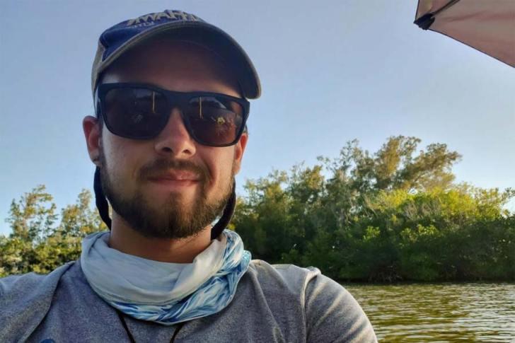 Colington kayaker paddles Intracoastal Waterway