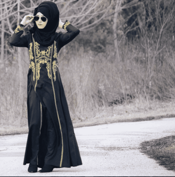 embroidered-abaya-and-hijab-for-office Hijab office Wear - 12 Ideas to Wear Hijab at Work Elegantly